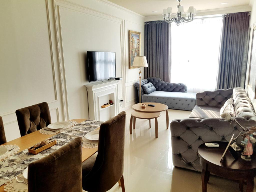 {��ۏ9߭ ��_公寓 luxury 2br high-rise apt with infinity poo