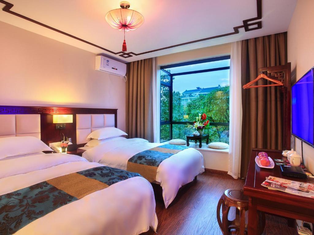 背景墙 房间 家居 酒店 设计 卧室 卧室装修 现代 装修 1024_768