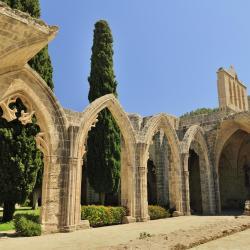 贝拉佩斯修道院, 凯里尼亚