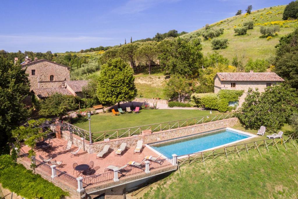 拉波斯塔迪康费内酒店内部或周边泳池景观