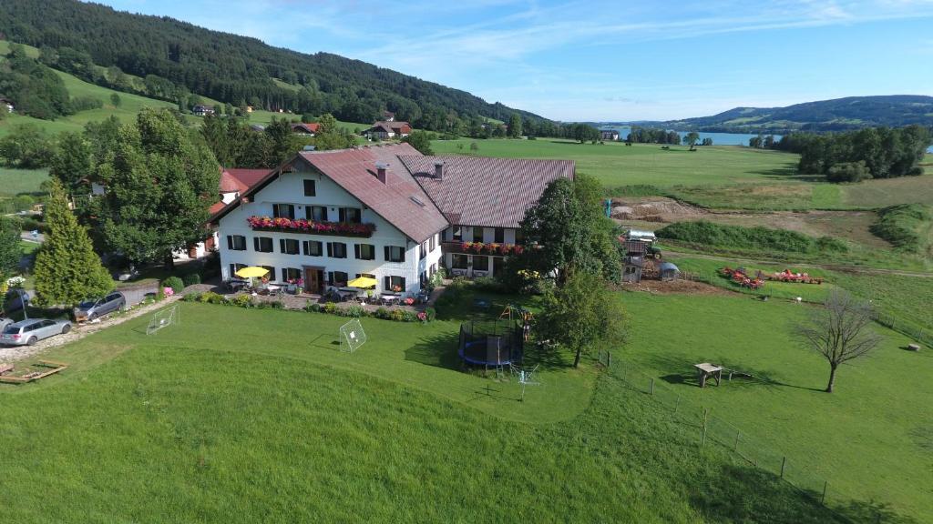 曾兹尔固特旅馆鸟瞰图