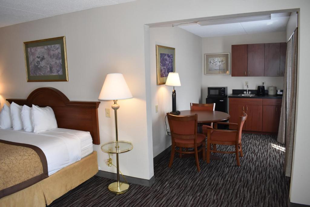 Wingate by Wyndham Charlotte Airport