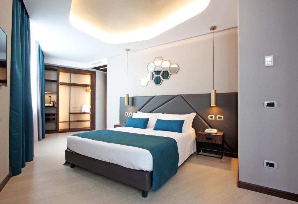 蜂巢酒店客房内的一张或多张床位