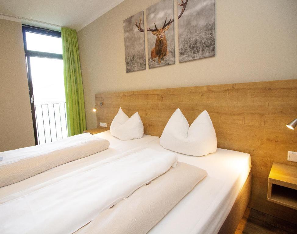 白云石酒店客房内的一张或多张床位