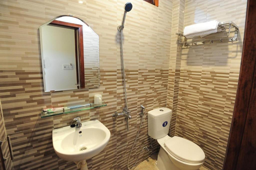 Nhà nghỉ giá rẻ chất lượng tại Huế - Bảo Khang的一间浴室