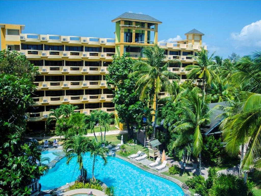 长滩岛天堂花园会议中心度假酒店内部或周边泳池景观