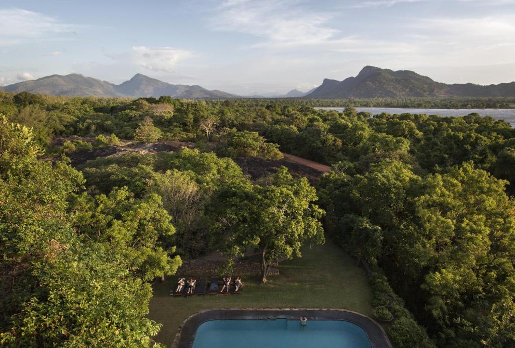 坎达拉马遗产酒店内部或周边泳池景观