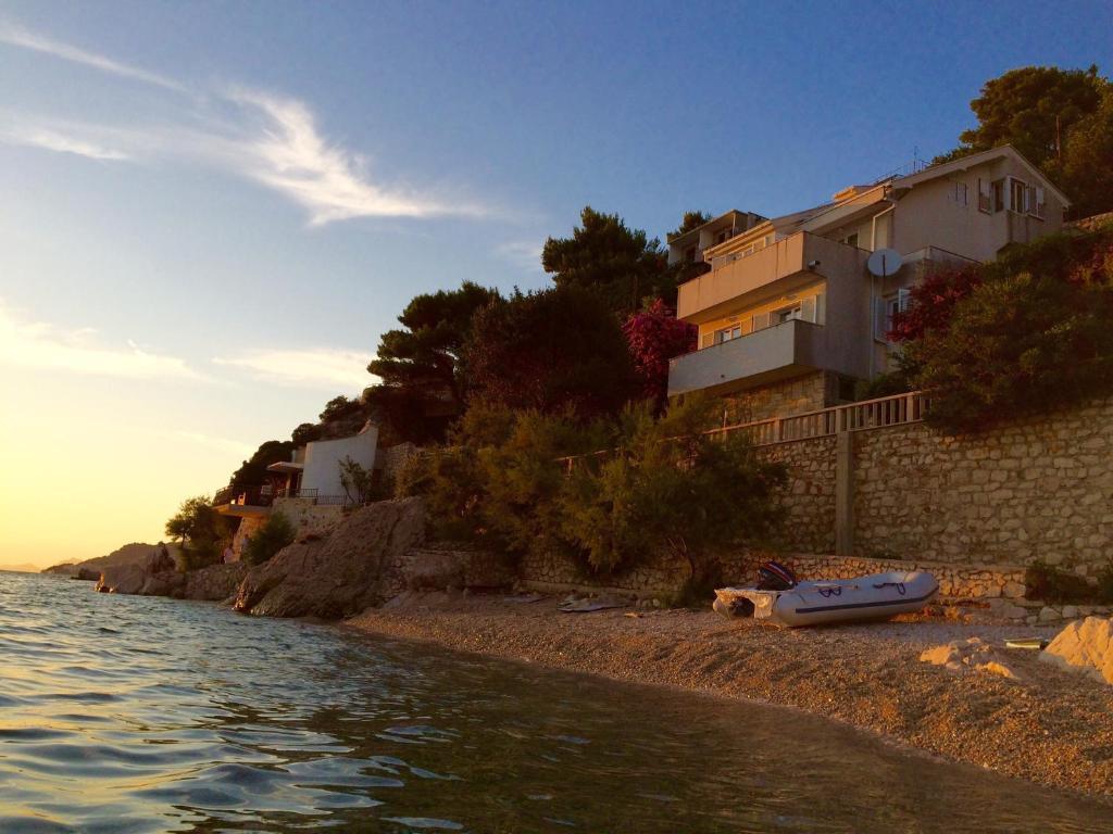 度假屋旁或附近的海滩