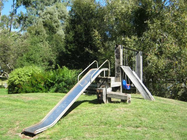 隐蔽休闲度假屋的儿童游玩区