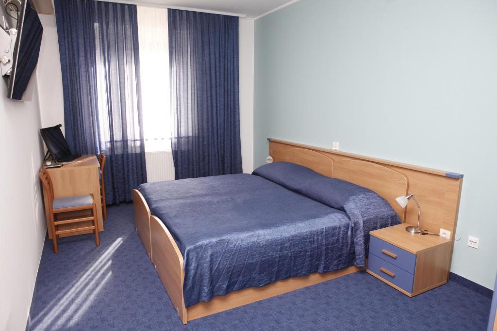Rooms Merkantil Simenta的一间客房