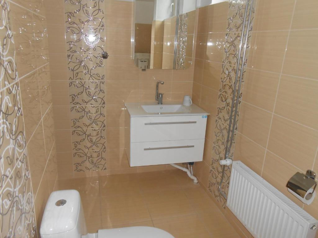 Aisa 18 Apartment的一间浴室
