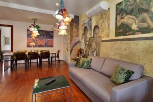 恩派伦河畔公寓的休息区