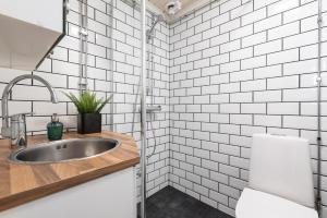 Pikisaari Guesthouse的一间浴室