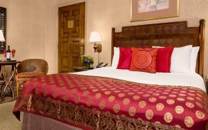 图书馆酒店集团卡萨布兰卡酒店 客房内的一张或多张床位