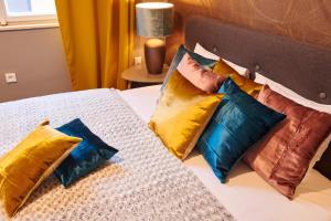 Old Town Residence客房内的一张或多张床位