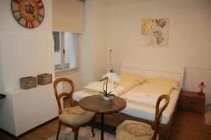萨克沙夫豪森酒店客房内的一张或多张床位