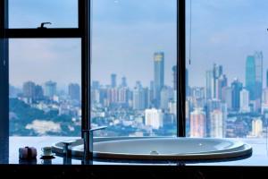 重庆丽笙世嘉酒店的一间浴室