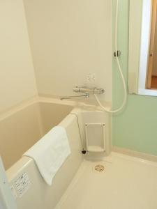 江户樱花饭店的一间浴室