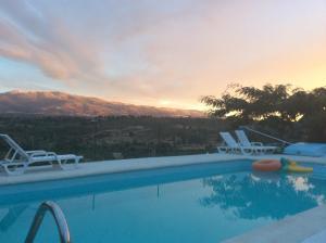 Quinta da Estrela内部或周边的泳池