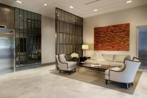 渥太华SMR里斯加公寓式酒店的休息区