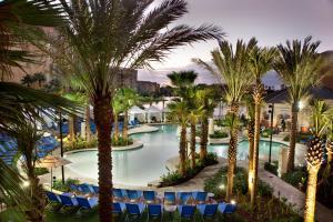 奥兰多邦内溪温德姆格兰德度假酒店内部或周边泳池景观