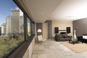 马德里广场公寓的休息区