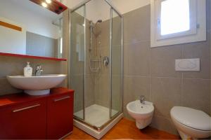 Studio Canova的一间浴室