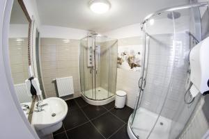 OSW Leśny的一间浴室