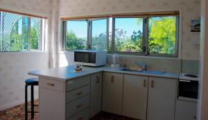 Llanerchymedd的厨房或小厨房