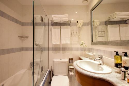 雅典伊莱克特拉酒店的一间浴室
