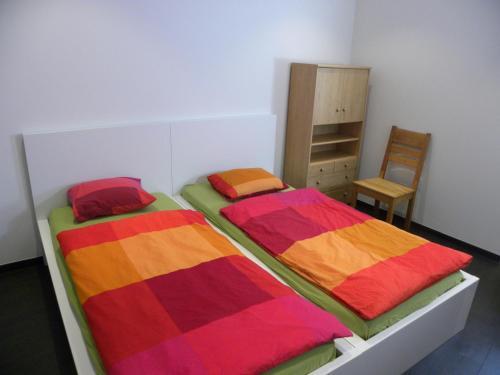 城市中心公寓客房内的一张或多张床位