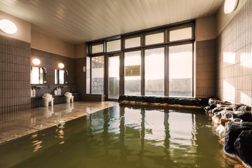 利尻海岛宾馆内部或周边的泳池
