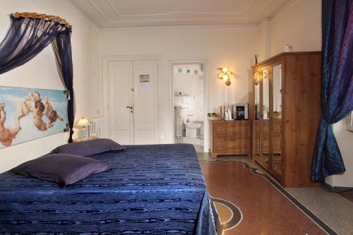 多尔斯弗吉尼亚住宿加早餐酒店客房内的一张或多张床位