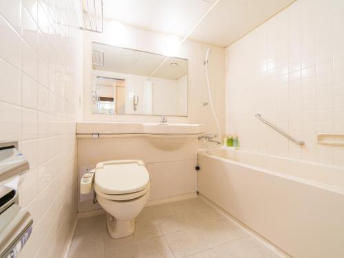 广岛21世纪酒店的一间浴室