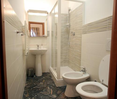 富美家住宿加早餐旅馆的一间浴室