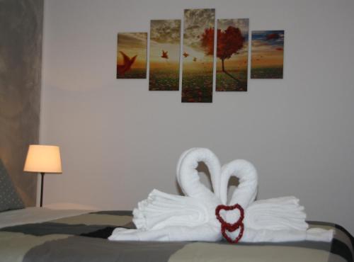 Central House客房内的一张或多张床位