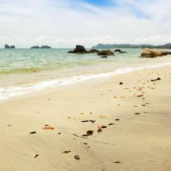 立咯海滩 11家酒店