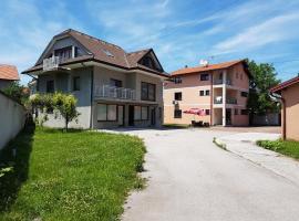 Holiday Homes Ilidza Houses