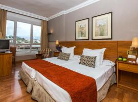 格拉纳达莱昂纳多酒店