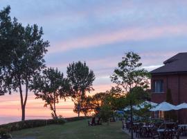 圣皮埃尔湖酒店