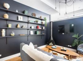 Two-Bedroom on W Cortland Street Apt 1F