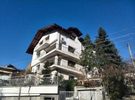 Gondova House