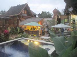 Green Paddy Hostel & Villa