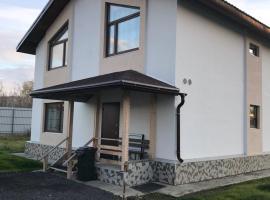 дом отдыха, Kirovsk (Umba River附近)