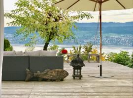 湖景可爱公寓