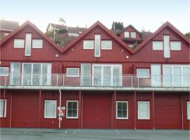 Three-Bedroom Apartment in Lindesnes, Gare