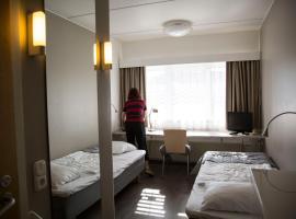 芬兰蒂亚阿尔巴酒店, 于韦斯屈莱