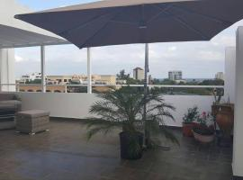 Penthouse with Private Rooftop with BBQ