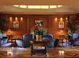 曼佐尼酒店