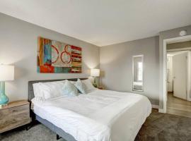 One Bedroom 800 Pennsylvania